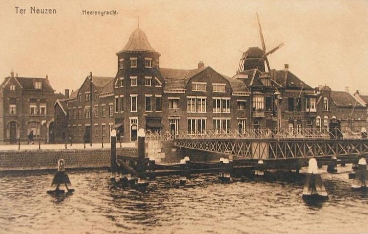 Het pand van Firma Klouwers aan de Herengracht